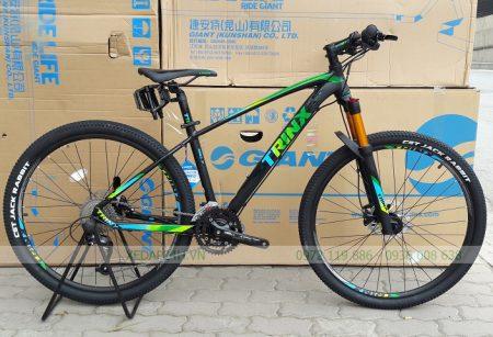 xe-dap-trinx-b700-den-luc