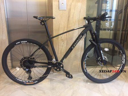 xe-dap-the-thao-TrinX-X9-Elite-den-xam